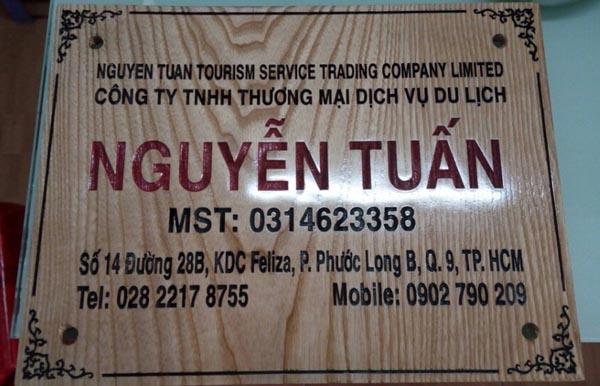 Làm bảng hiệu công ty bằng gỗ tại Quận 9 TPHCM.