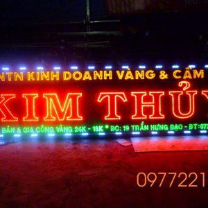 thi-cong-hop-den-led-tai-TPHCM